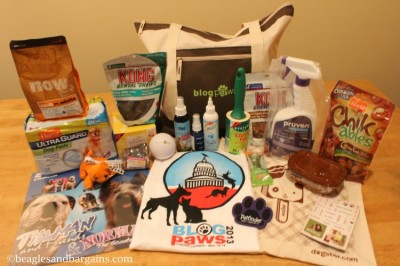 BlogPaws 2013 swag bag contains so many good products to try!