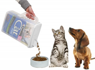 Buddeez Bag-In Pet Food Dispensers - Photo Courtesy of Coupaw