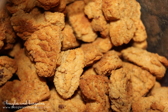 Doggyloot Treat of the Month - High Hopes Peanut Butter, Bacon, and Cheddar Cookies